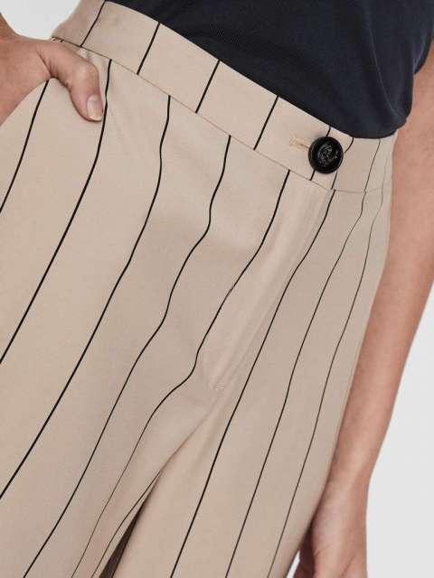 Pantalón culotte Chica Vero Moda 10227928 VMKLARA NW CULOTTE PANT TLR