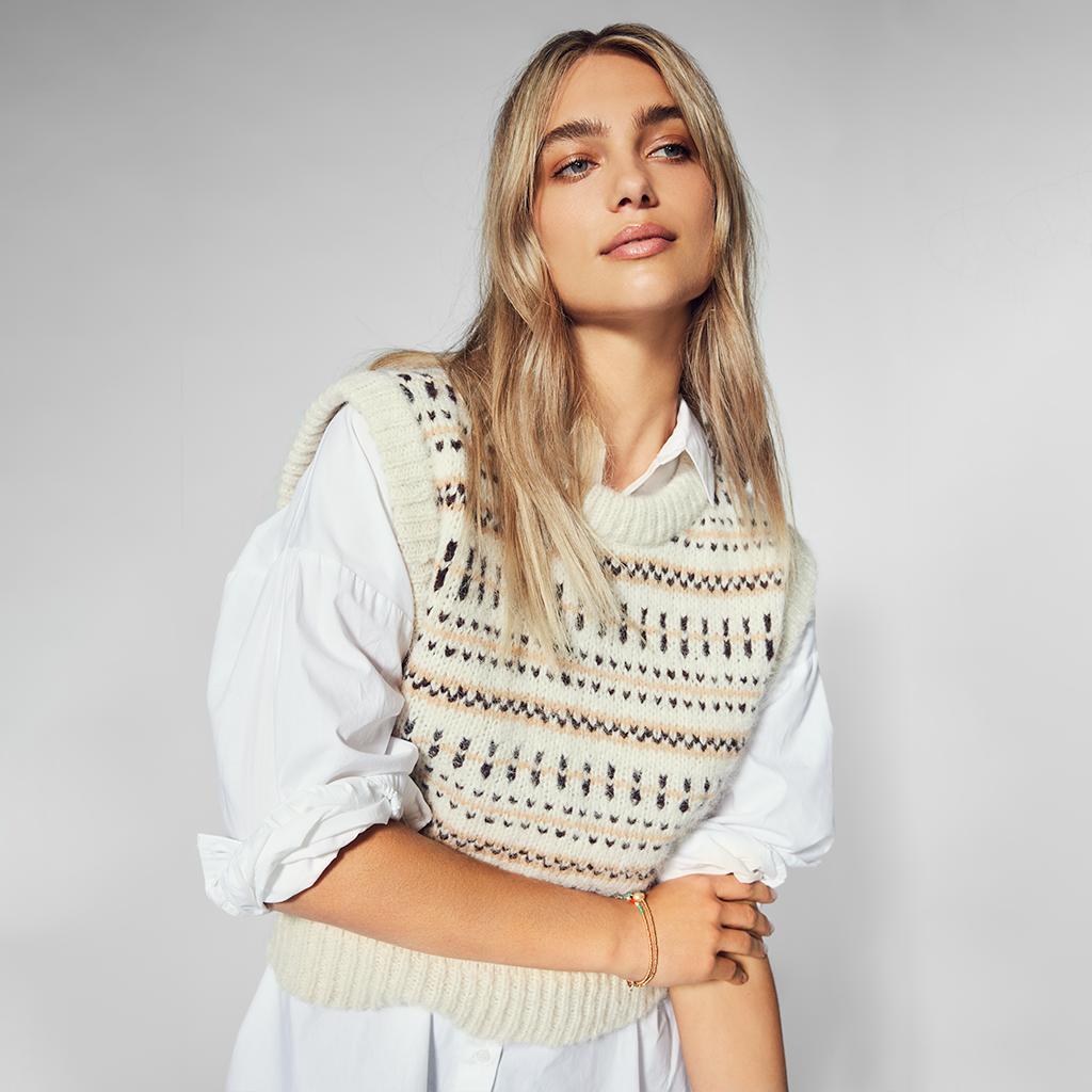 Blusas · Camisas · Tops